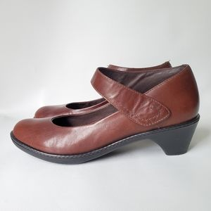 Dansco Mary Jane leather comfortable shoes